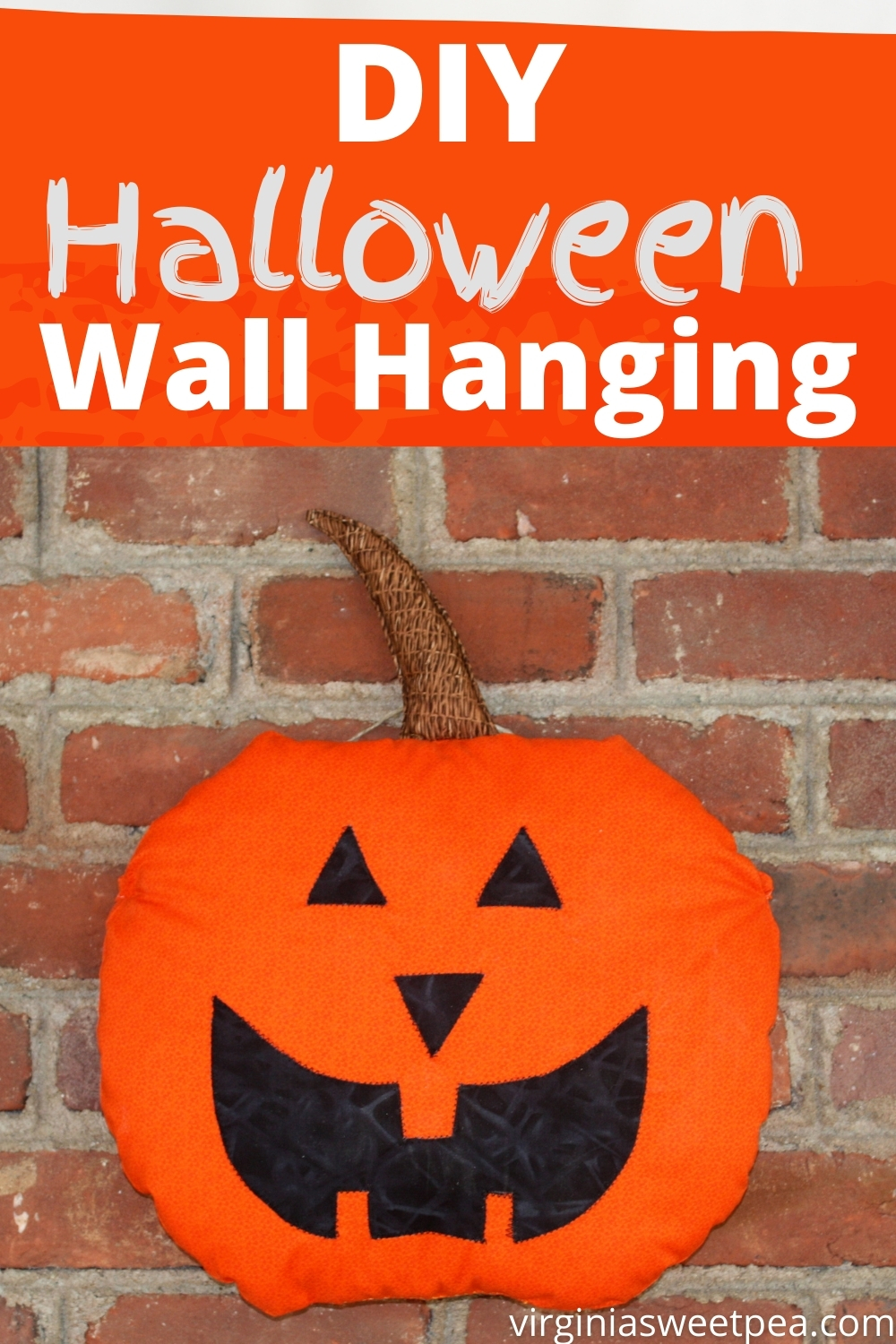 DIY Halloween Wall Hanging - Learn how to make a Halloween wall hanging.  This fun craft can also be used as a pillow for Halloween decor. via @spaula