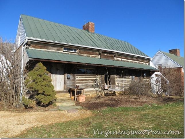 Pharsalia Slave Cabins for Household Help
