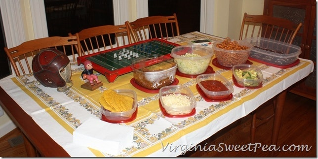Rubbermaid Football Theme Table2