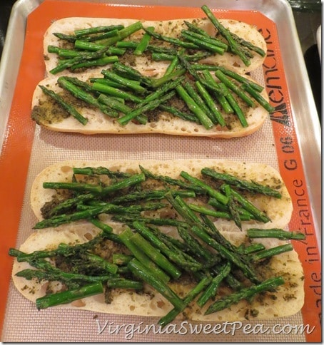 Bread Topped with Pesto and Asparagus
