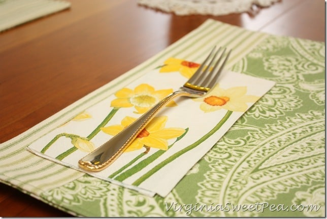 Table Setting - Napkins Match the Flowers