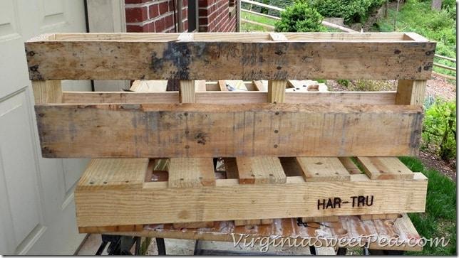 Pallet Wine Rack - Cut end