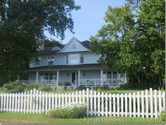 Houses on Mackinac9