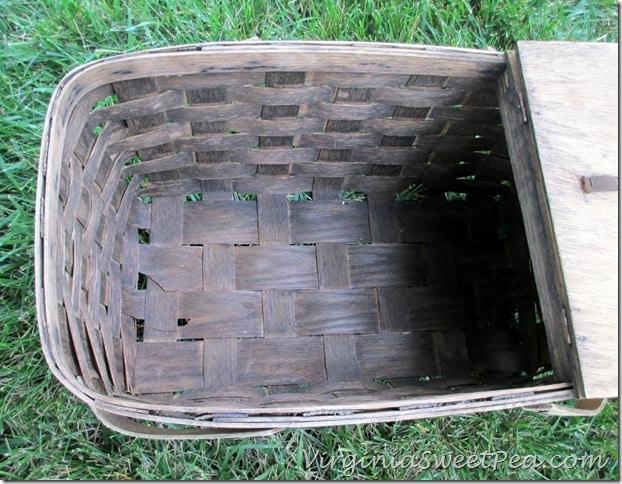Inside of Trash Find Basket After Cleaning