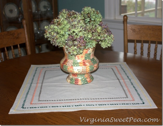 Fall Centerpiece in Dining Room