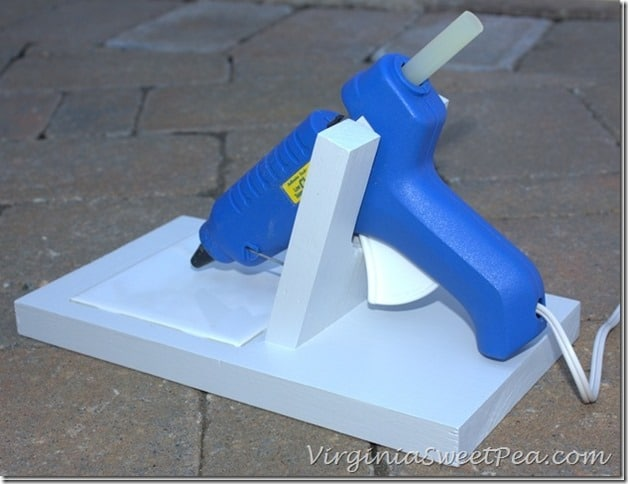 DIY-Glue-Gun-Holder by virginiasweetpea.com