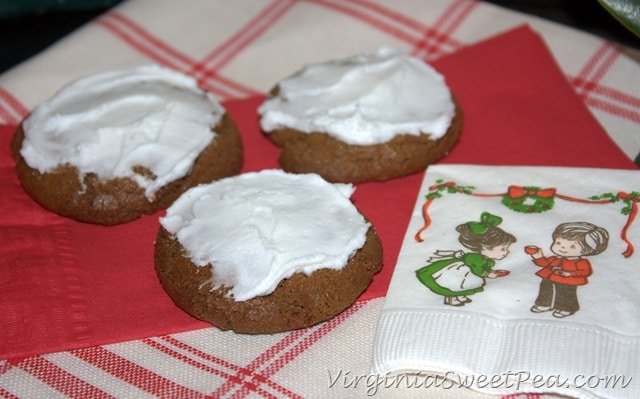 Iced Ginger Cookies - Sweet Pea