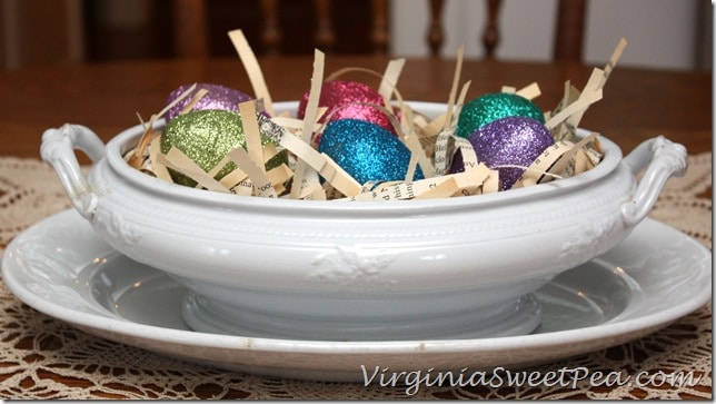 Glittered Easter Eggs by virginiasweetpea.com