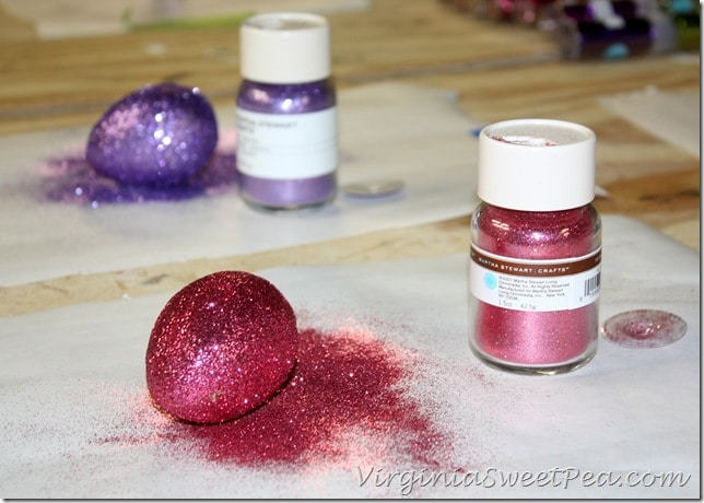 How to Save Glitter when Making Glitter Easter Eggs