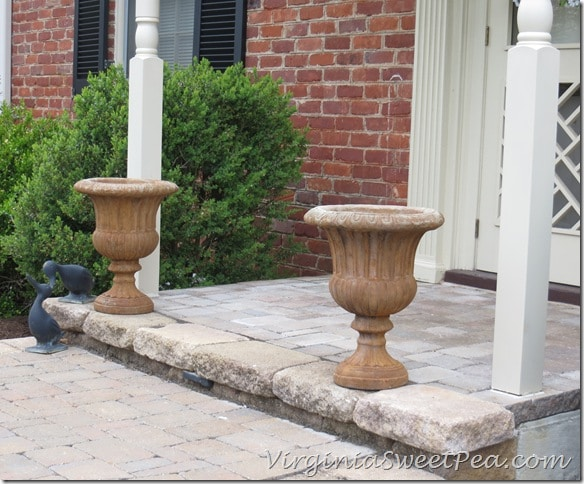 Porch with no Chippendale Railings