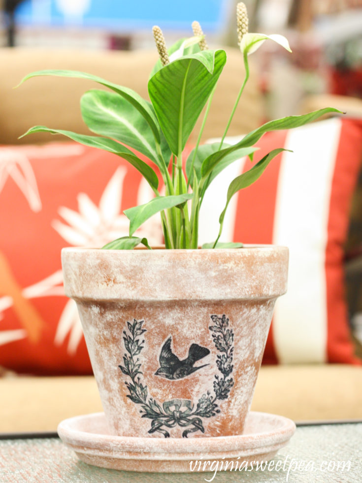 DIY Aged Pots with a Transferred Vintage Image