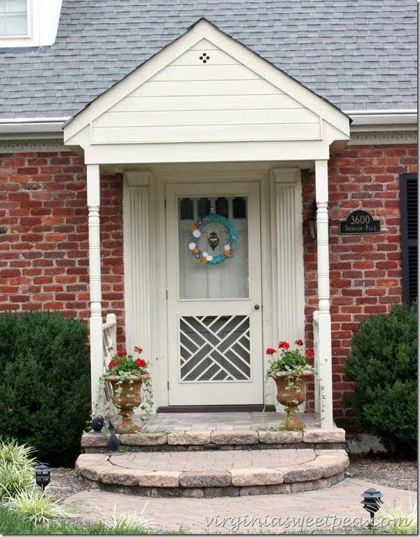 My Front Entry's Dirty Little Secret by virginiasweetpea.com
