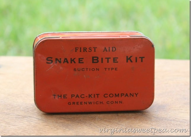 Vintage Snake Bit Kit