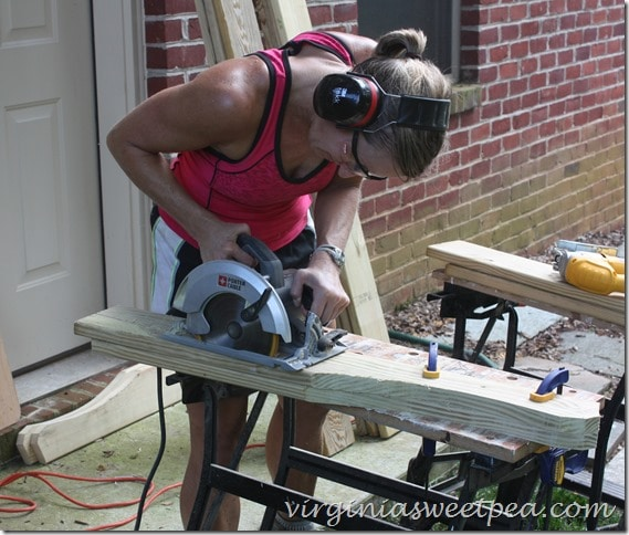 Cutting Out Bottom Adirondack Chair Pieces