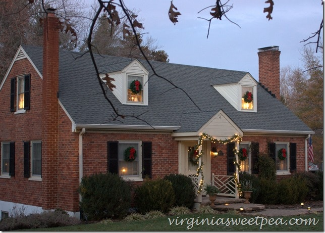 Christmas Curb Appeal by virginiasweetpea.com