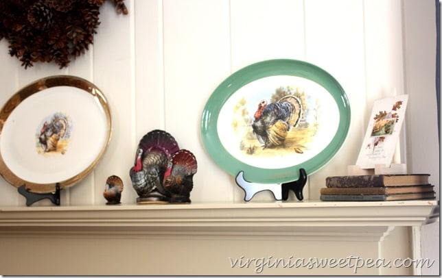 Vintage Turkey Platters and Thanksgiving Decor