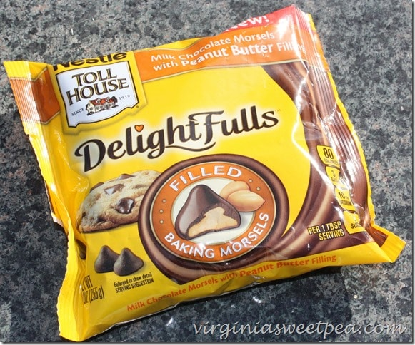 Nestle Toll House DelightFulls with Peanut Butter Filling