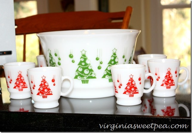 Vintage Christmas Punch Set by virginiasweetpea.com