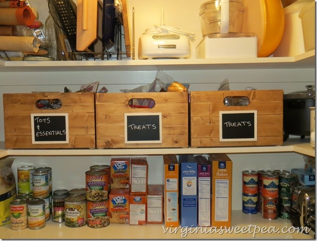DIY Pantry Storage Crates with Chalkboard Labels by virginiasweetpea.com