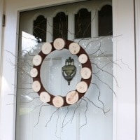 Wood Slice Wreath for Winter by virginiasweetpea.com