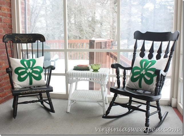 How to Make Easy St. Patrick Day Pillows