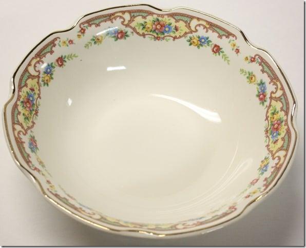 Unmarked Vintage Vegetable Bowl