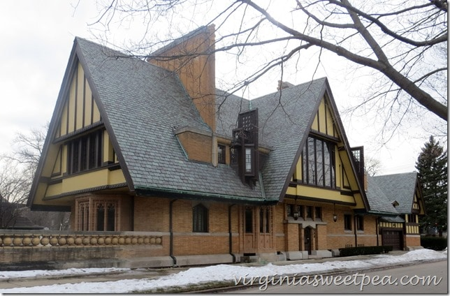 frank-lloyd-wright-oak-park-chicago-architecture-home