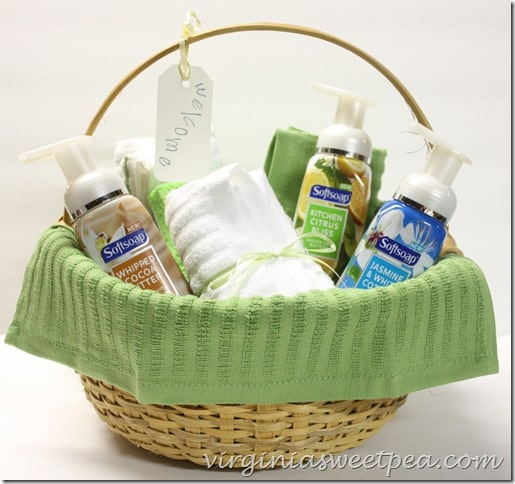 new-neighbor-gift-basket-with-soft-soap