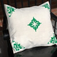 Easy Stenciled Pillow Cover