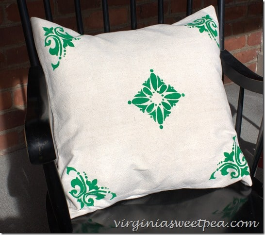 DIY Easy Stenciled Pillow Cover