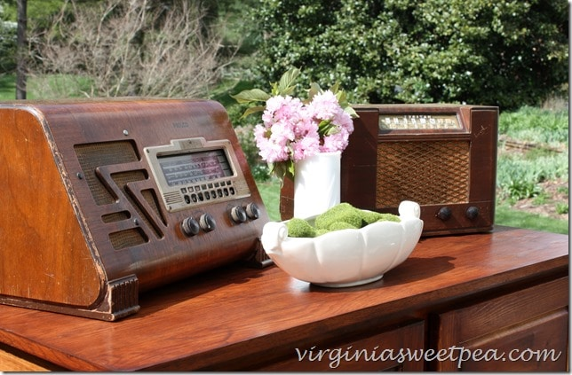 Vintage Philco Radios with Vintage Pottery