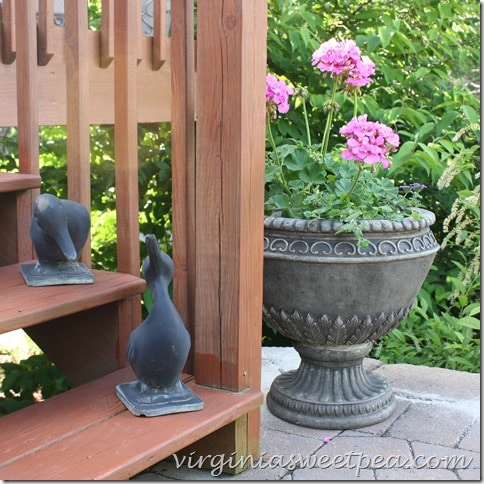 Virginia Metalcrafter ducks welcome guests.