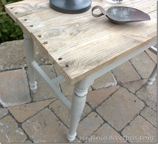 Pallet wood was used to make a top for what was a vanity bench. virginiasweetpea.com