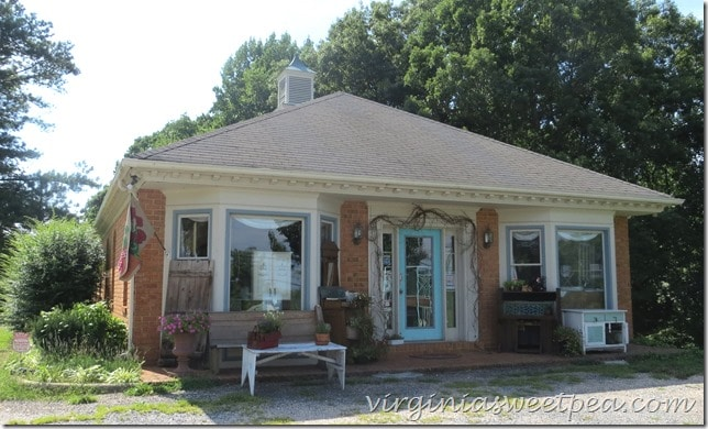 Blue Sky Cottage in Madison Heights, VA