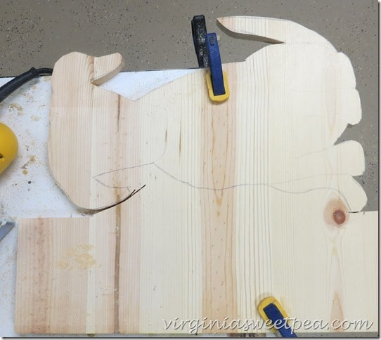 Turn the wood and clamp again. Keep Cutting with the jigsaw.