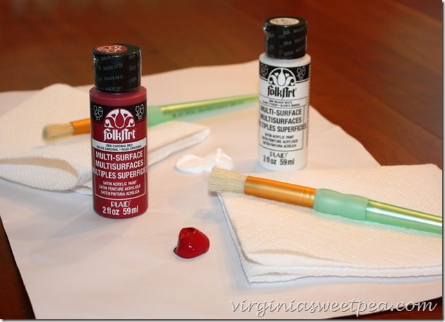 Paints Used for Stenciling a Sign