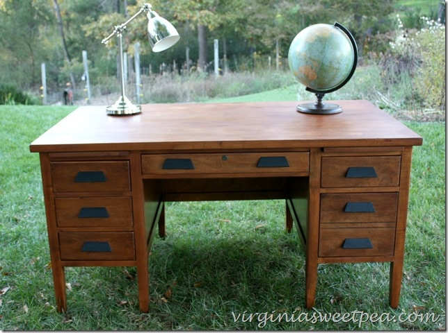 An antique teacher's desk found at Goodwill for $25 gets a makeover. What a difference some TLC makes! virginiasweetpea.com