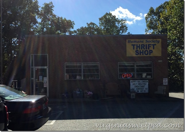 Humane Society Thrift Shop in Madison Heights, VA