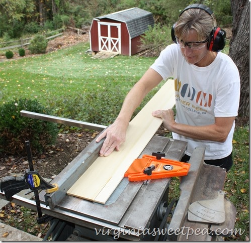 Using a 1950's Table Saw to Rip a Board