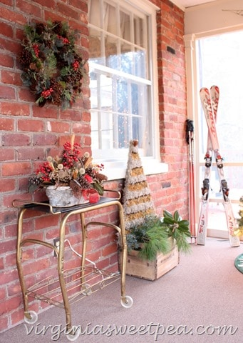 Christmas2015PorchDecor.jpg
