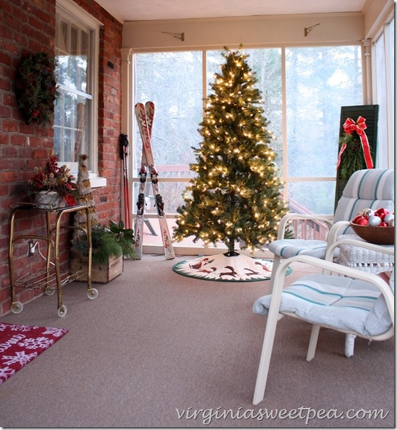 Christmas Porch Decor - Lots of Vintage to be seen here!