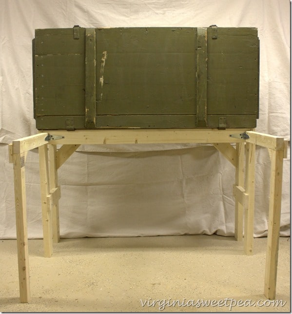 Stand for Russian Riffle Crate turned DIY Work Bench