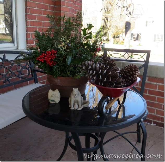 22015 Christmas Home Tour in Waynesboro, Virginia-Doherty Home- Outdoor Porch Decor