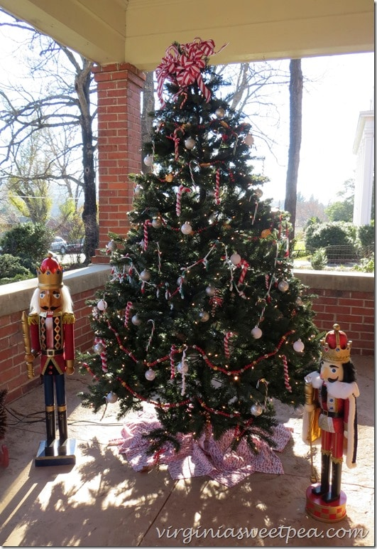 2015 Christmas Home Tour in Waynesboro, Virginia-Doherty Home - Outside Porch decor