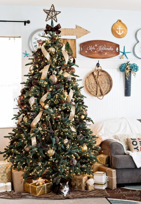 Rustic-Luxe-Christmas-Tree-3-709x1024