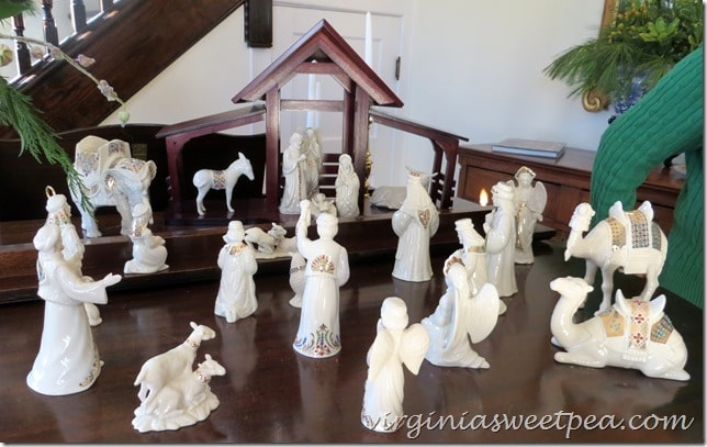 2015 Christmas Historic Homes Tour in Waynesboro, VA | Nativity Scene