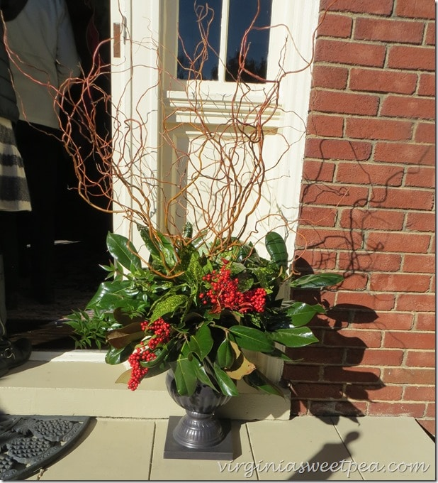 2015 Historic Homes tour in Waynesboro, VA |  Beautifully decorated urns