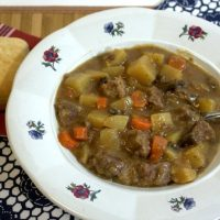 Make beef stew the easy way, in your crock-pot or slow cooker!