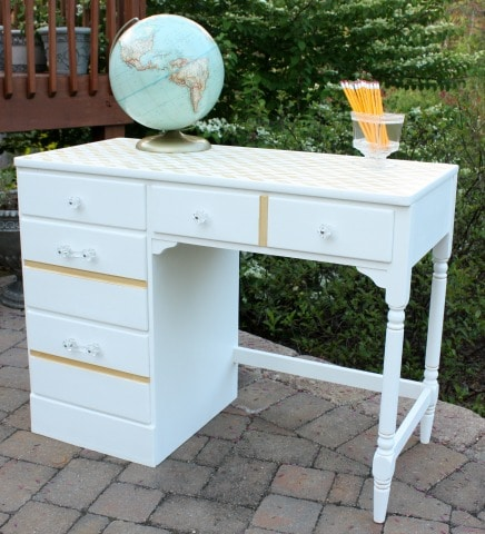 A Goodwill Desk Gets a Makeover