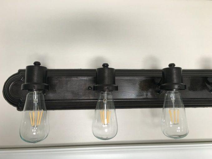 How to Paint a Bathroom Light Fixture